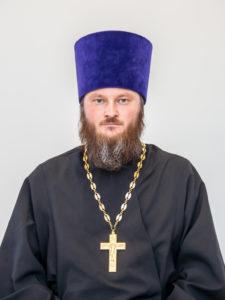 Настоятель храма Воскресения Христова - иерей Николай Изилаев