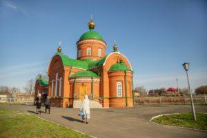 храм Воскресения Христова села Кизнер